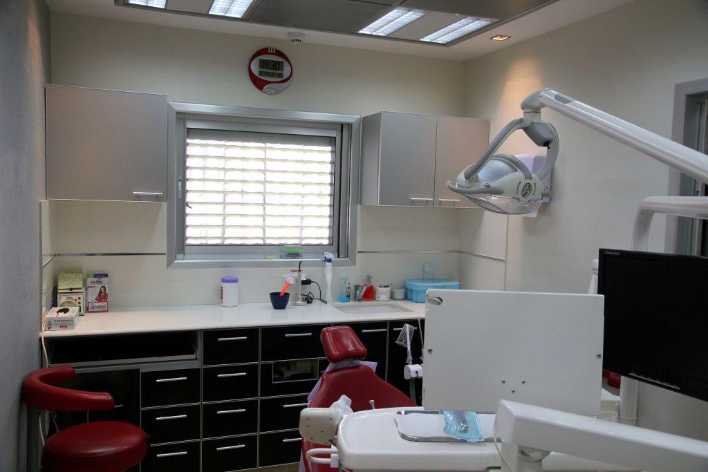 מרפאת שיניים בפתח תקווה